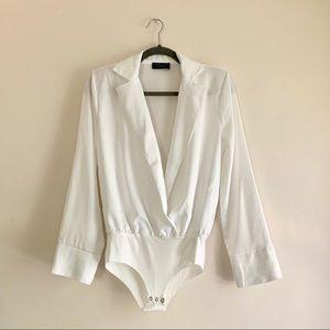 ZARA • NWOT Padded Shoulder Deep V Bodysuit